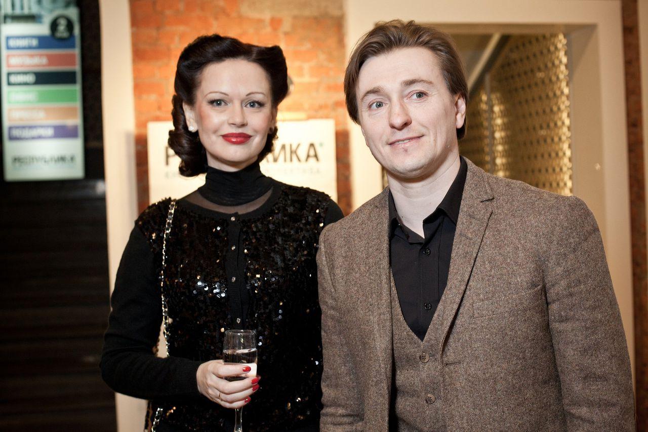 безруков развелся с женой фото новой жены биржа