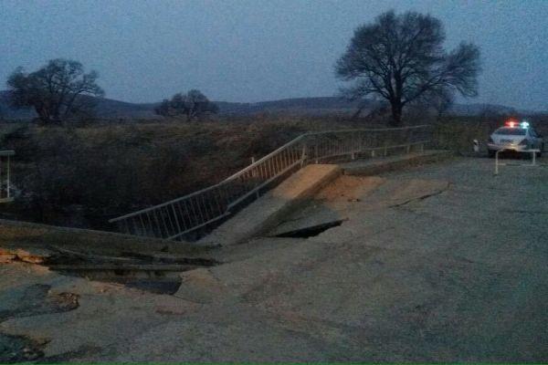В Бешгиоз «провалилась» дорога