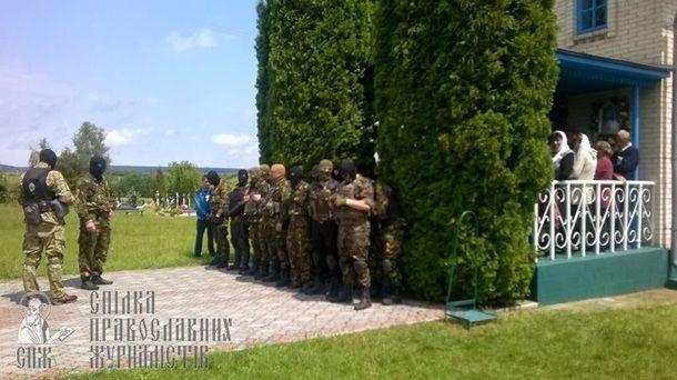 """Правый сектор"" напал на храмы УПЦ Московского патриархата"