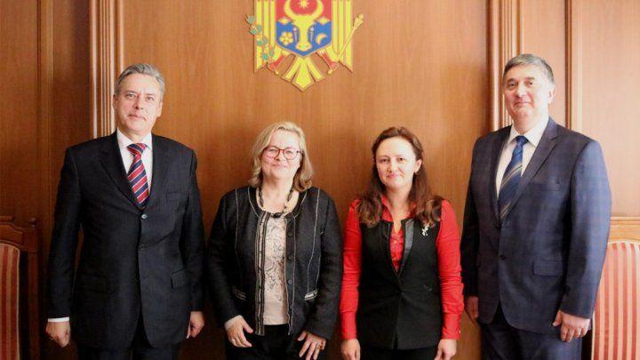 Госсекретарь МИДЕИ Каролина Перебинос встретилась с послом Австрии