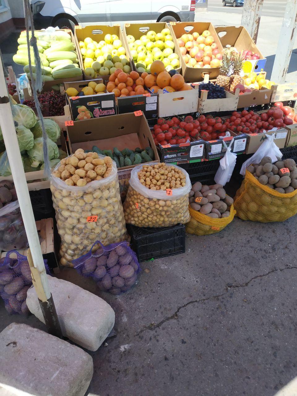 Цены на картофель продолжают огорчать молдаван