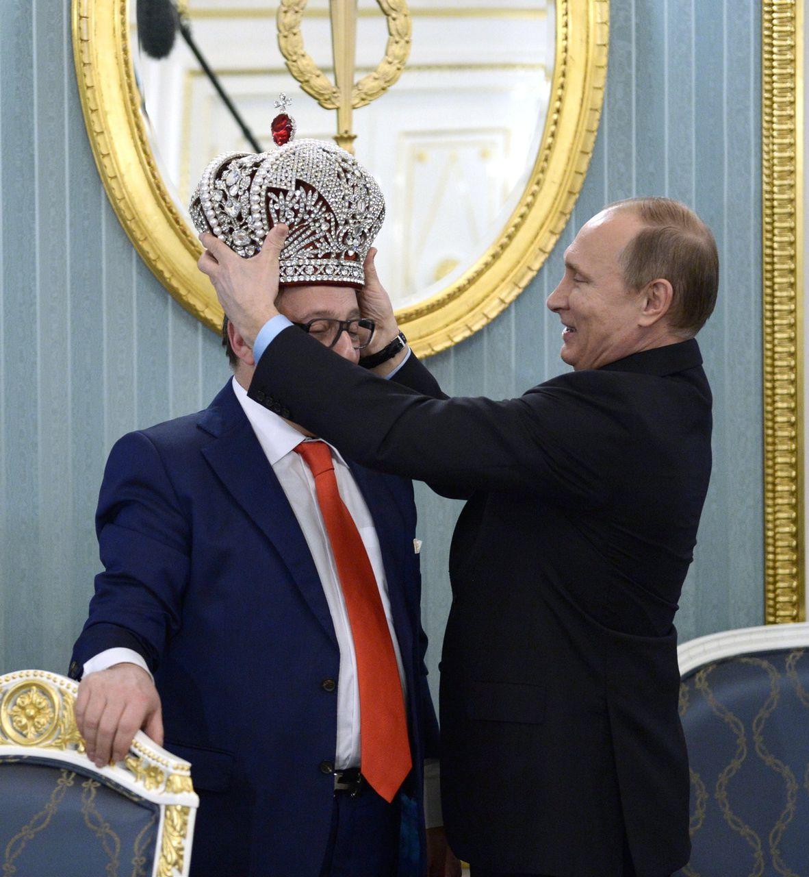 Путин и хазанов корона видео
