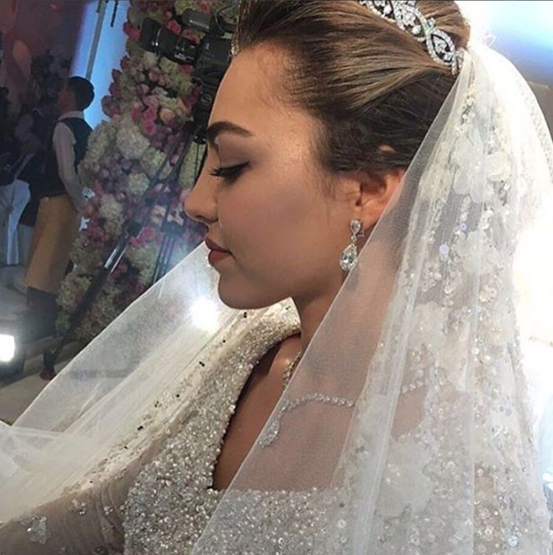 пирог говяжьей саид гуцериев и хадижа свадьба фото существу