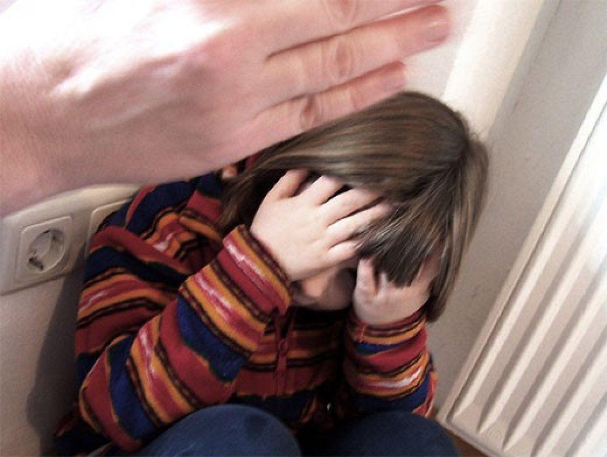 Сын наказал свою мать жестоко, Властная мать наказала нахального сына 13 фотография