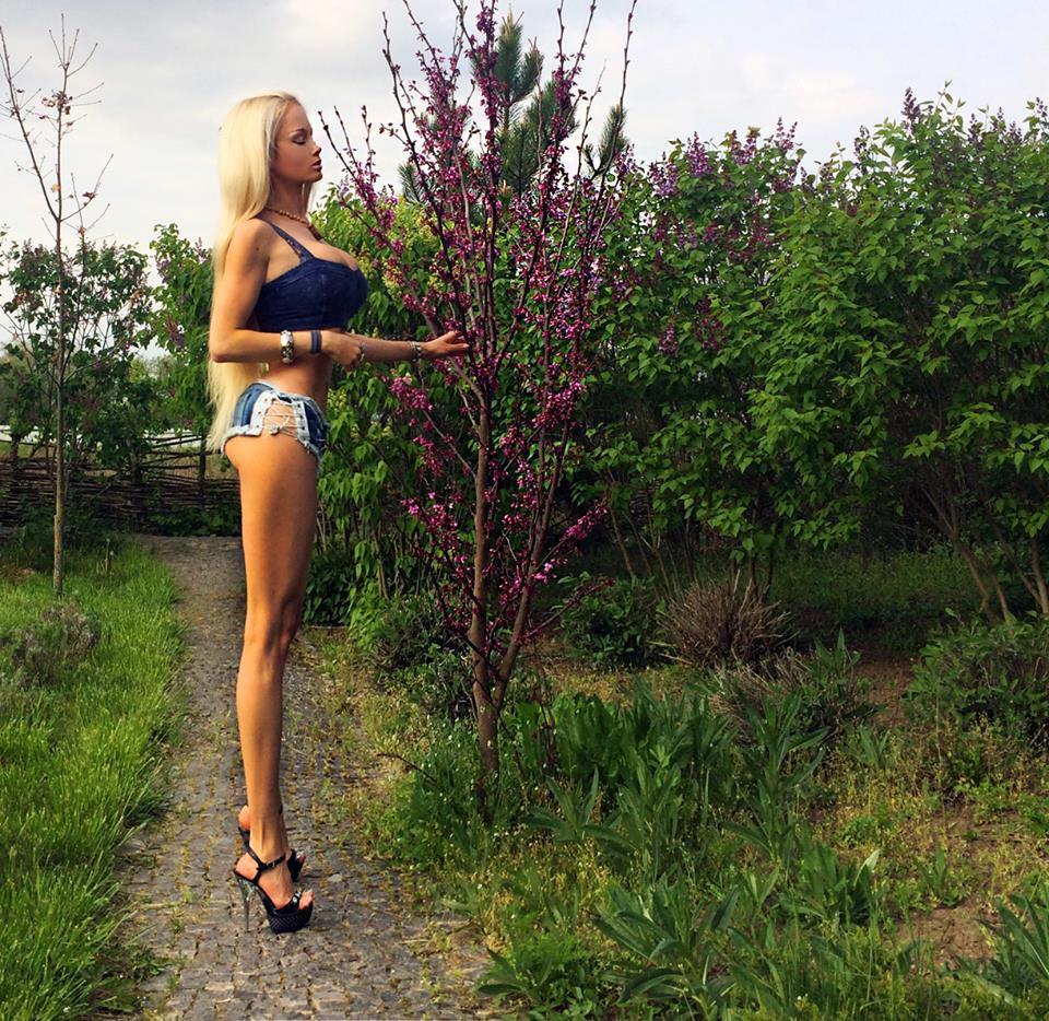 Очень длинные девушки фото