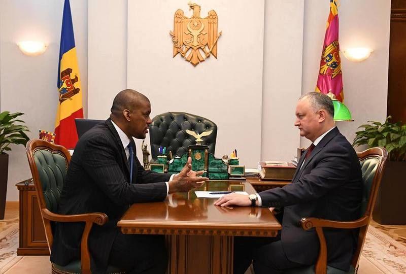 Президент Молдовы Игорь Додон провел рабочую встречу с послом США в РМ