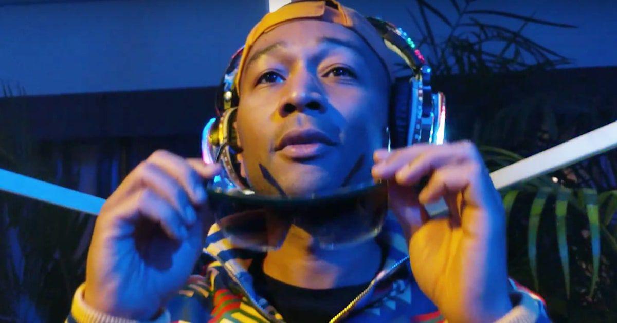 John Legend Ne Invită La O Noapte De Petrecere în Clipul A Good Night