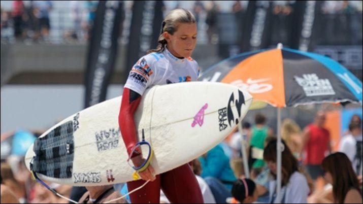 кортни конлог, серфинг