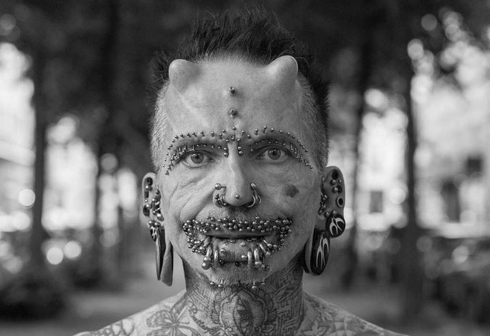 Piercing intim rolf Rolf Buchholz: