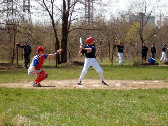бейсбольная площадка, незаконное строительство
