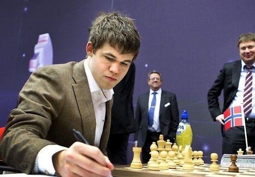 чемпион мира по шахматам, норвежец магнус карлсен