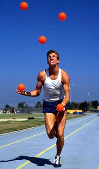 жонглирование, бег трусцой