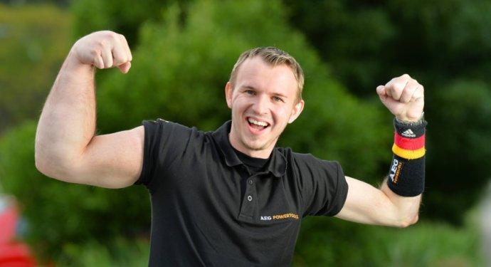 гигантская рука, немцем маттиасом шлитте