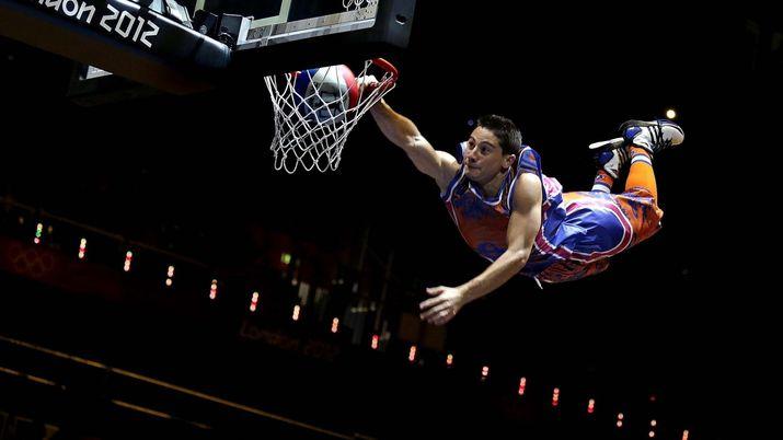 c389f22f Самые необычные броски мяча в баскетболе (Видео)