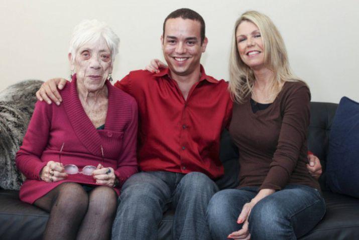 фото старух с молодыми фото