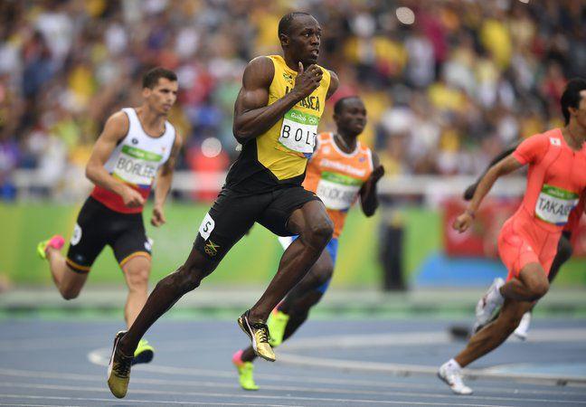 ямайский спринтер, футбол