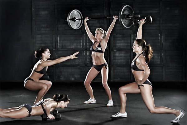 круговая тренировка, свободные веса