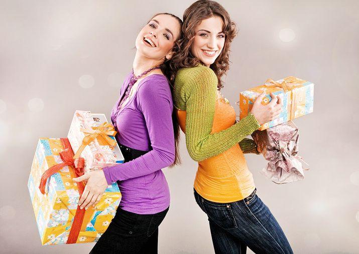 Новогодние подарки по знакам зодиака: не ошибиться с выбором помогут звезды