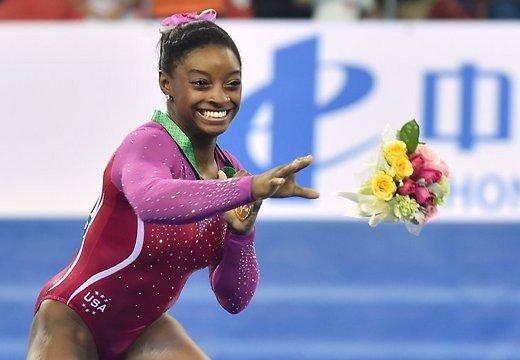 стала чемпионкой мира, по спортивной гимнастике