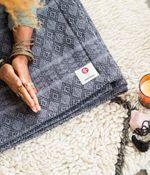 Одеяло для йоги Manduka