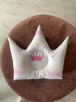 Подушечка корона с розовыми коронками