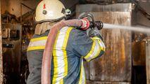 Incendiu la Todirești: Acoperișul unui depozit de lemne a ars