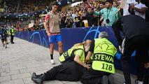Ronaldo a lovit cu mingea în cap o femeie: Dumnezeule, nu! A murit?