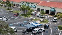 Atac armat într-un supermarket din SUA: 3 morți, între care un bebeluș