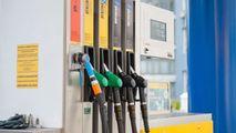 Ce se întâmplă cu legea plafonării prețului la carburanți votată recent
