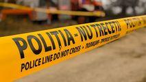 Cadavrul unui bărbat așezat pe un scaun, găsit la Aventura Parc