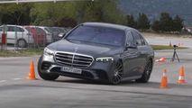 Cum noul Mercedes S-Class W223 eșuează la Testul Elanului