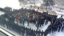 Susţinătorii lui Navalnîi au ieşit în stradă: Sute de persoane, reţinute