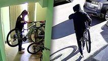 Un bărbat, surprins cum fură o bicicletă dintr-un bloc din Capitală