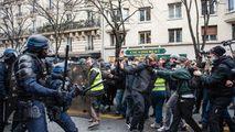 Violenţe la Paris între protestatari şi poliţie: Zeci de arestări