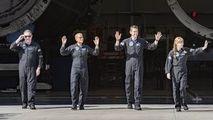 Cei 4 astronauţi turişti ai rachetei SpaceX au revenit pe Pământ