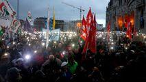 Mii de persoane au protestat împotriva legii sclaviei şi a lui Orban