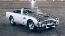 Mașina lui James Bond, în miniatură: 21 CP și o serie de gadget-uri