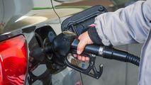 Noi prețuri stabilite de ANRE: Cu cât s-ar putea scumpi carburanții