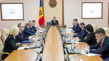 Experți: Guvernul Chicu și-a asumat guvernarea până la prezidențiale