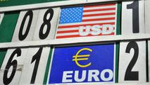 Curs valutar 17 septembrie 2021: Cât valorează un euro și un dolar