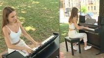 Primul pian stradal, inaugurat la Chișinău: Reacţia oamenilor