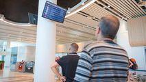 Moldoveni care plecau în Italia şi Spania, întorşi de la Aeroport