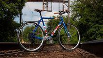 Joe Biden i-a făcut cadou lui Boris Johnson o bicicletă personalizată