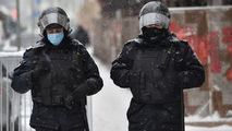 Rusia: Oamenii protestează în 25 de orașe. Primele rețineri filmate