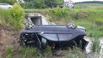 Un BMW s-a răsturnat într-o râpă la Hâncești: 2 răniți. Primele imagini