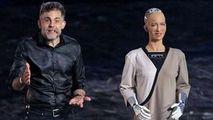 Primul tablou realizat de robotul Sophia a fost vândut la o licitație