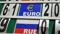 Curs valutar 8 mai 2021: Cât valorează un euro și un dolar