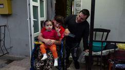 Soții din Fălești care împart același scaun cu rotile: Au doi copii