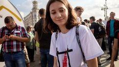 Fata care le-a citit Constituția jandarmilor din Rusia a fost condamnată
