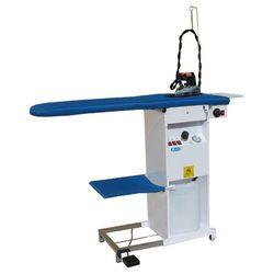 Утюжильный стол Bieffe с подогревом, вакуумным отсосом, встроенным автоматическим парогенератором непрерывного действия и утюгом.